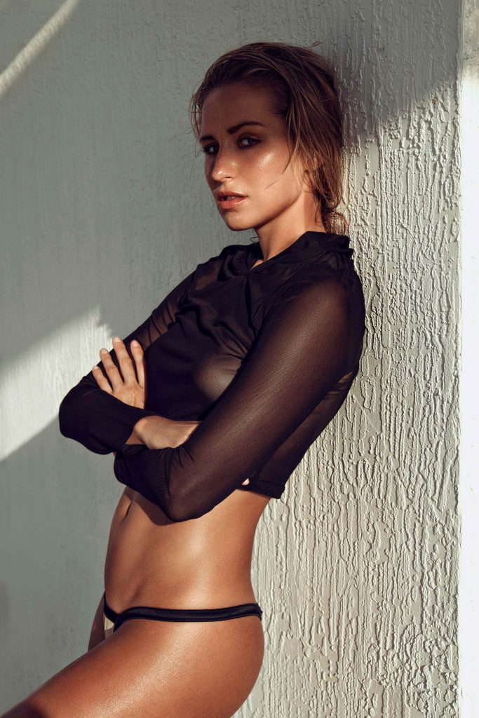 Tanned Sexy Model - Ponju